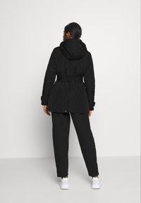 Lauren Ralph Lauren Petite - QUILTED JACKET - Abrigo corto - black - 2