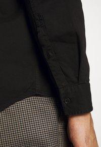Nudie Jeans - CHET - Camisa - black - 4