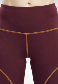 Reebok - MYT CONTRAST STITCH LEGGINGS - Leggings - burgundy - 3