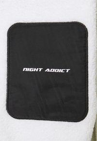 Night Addict - DERIK - Fleecejacka - white - 2