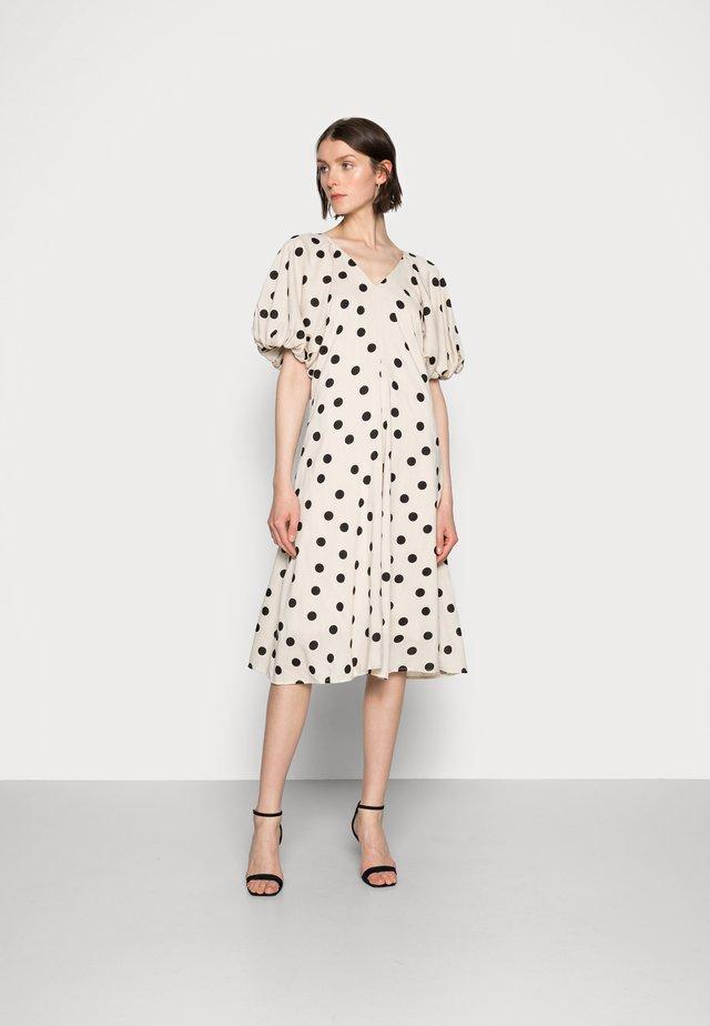 VETA DRESS - Day dress - sesame dot
