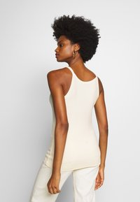 And Less - ALAYA - Top - brilliant white - 2