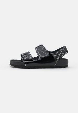 BIRKENSTOCK X PROENZA SCHOULER - Sandaalit nilkkaremmillä - black