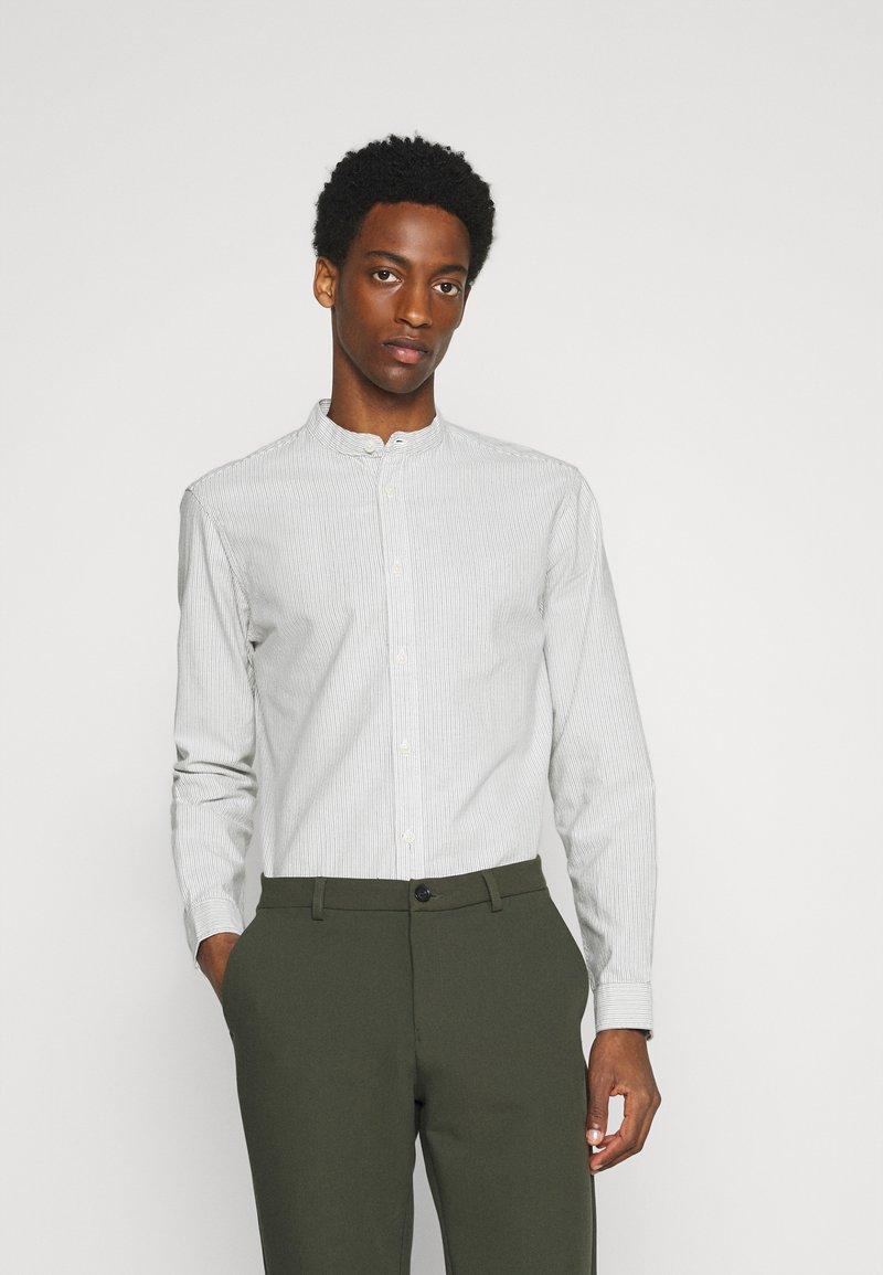 Selected Homme - SLHSLIMMILTON STRIPES - Formal shirt - sky blue