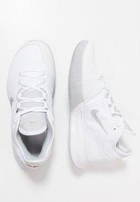 Nike Performance - COURT AIR MAX WILDCARD - Multicourt tennis shoes - white/metallic silver/pure platinum/aluminum - 1