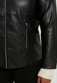 Dorothy Perkins Curve - COLLARLESS JACKET - Faux leather jacket - black - 5