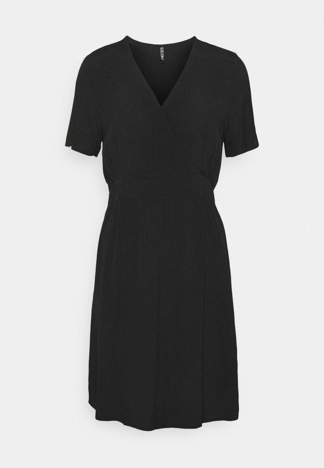 PCGINNIE DRESS - Korte jurk - black