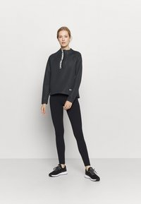 Under Armour - MOVE HALF ZIP - Bluza - black - 1