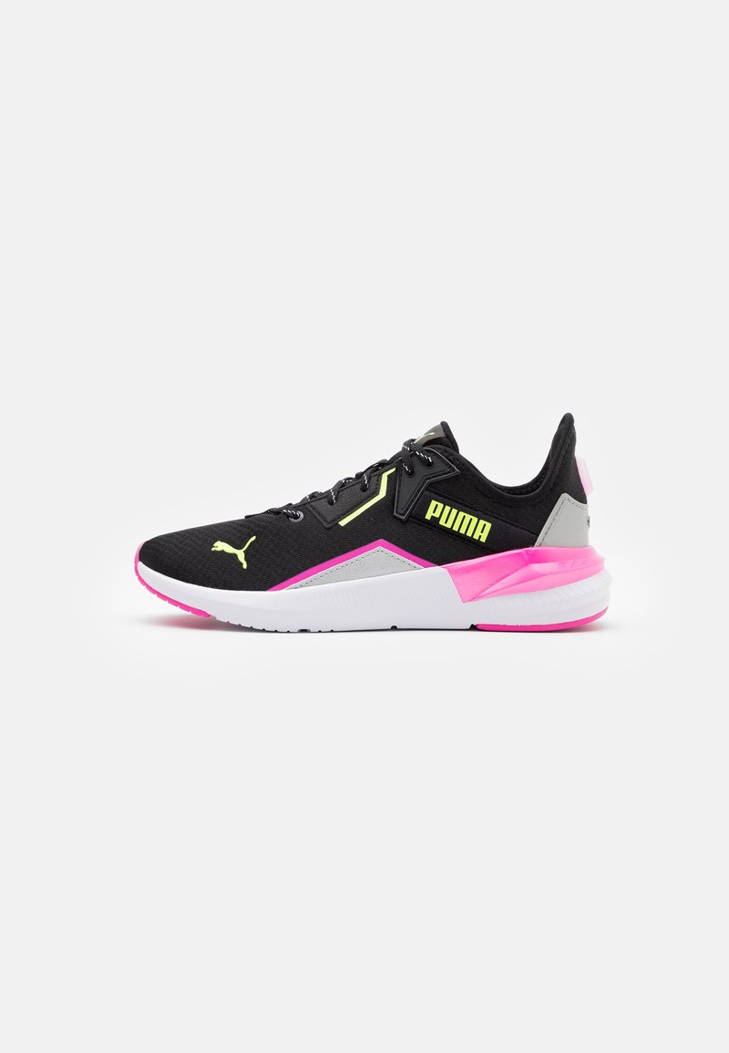 Puma - PLATINUM METALLIC - Zapatillas de entrenamiento - black/luminous pink/fizzy yellow