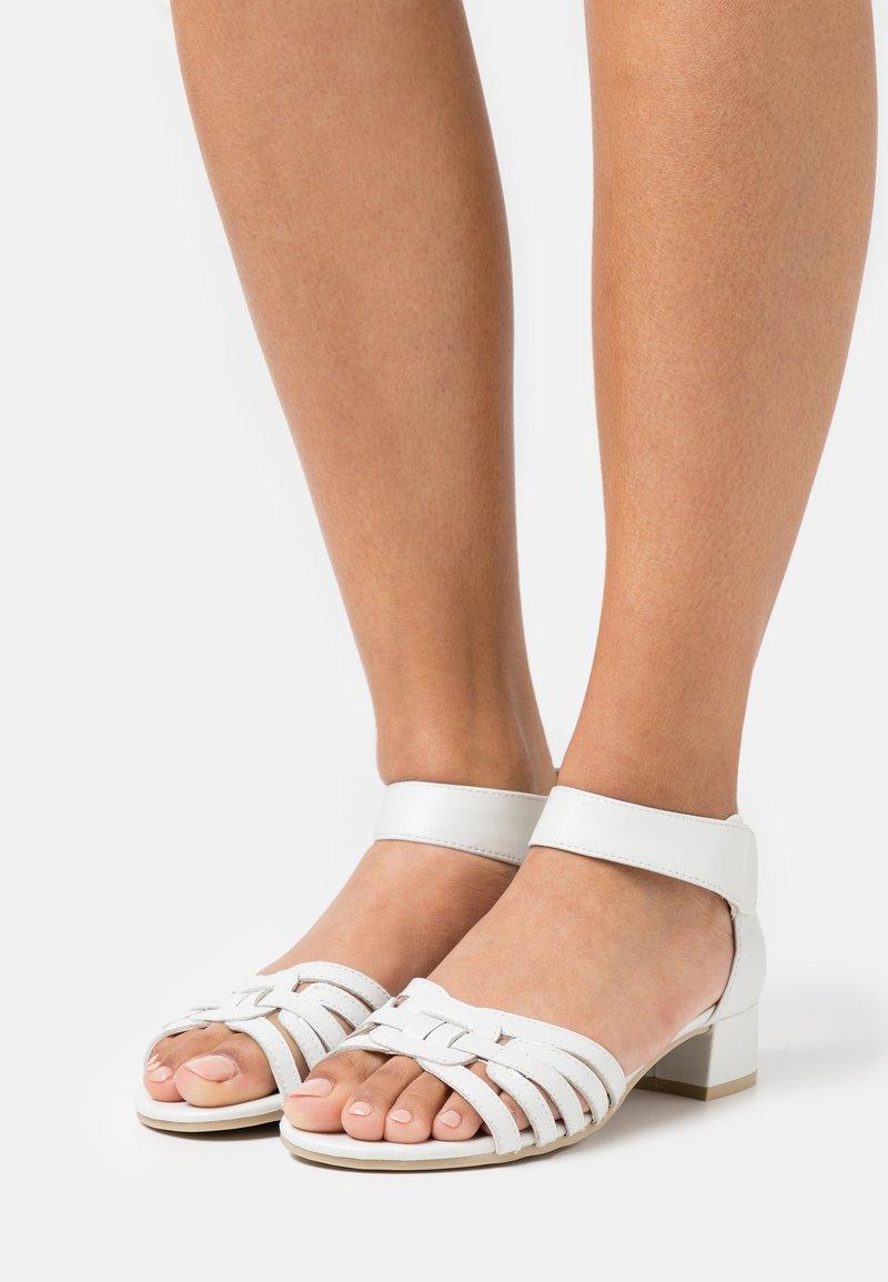 Caprice - Sandalen - white perlato