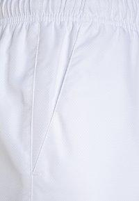 Lacoste Sport - CLASSIC  - Korte broeken - white - 2
