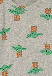 GAP - TODDLER MANDOLORIAN UNISEX - Pyjama set - grey heather - 3