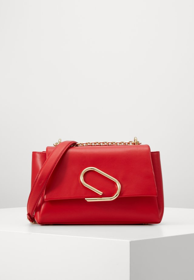 ALIX SOFT CHAIN - Across body bag - red