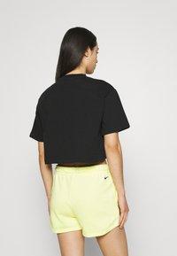 Nike Sportswear - Print T-shirt - black/white - 2