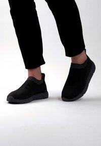 Rens Original - WATERPROOF COFFEE SNEAKERS - Sneakers laag -  black - 0