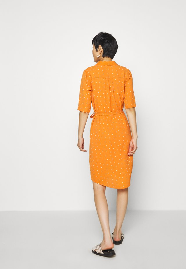PECK DRESS - Blousejurk - apricot