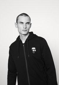 KARL LAGERFELD - HOODY JACKET - Zip-up hoodie - black - 3