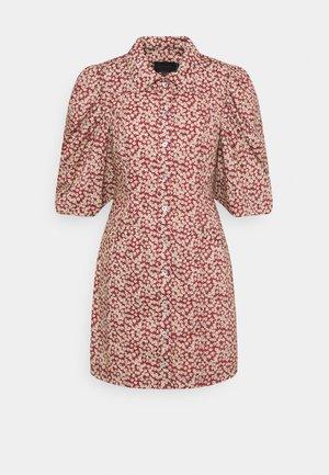 AMI DRESS - Košilové šaty - rust