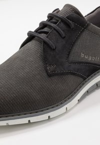 Bugatti - SANDMAN - Zapatos con cordones - grey - 5