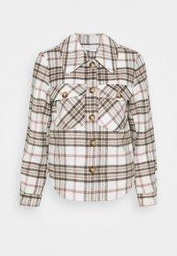 VILA PETITE - VIBIRA SHORT CHECK SHACKET - Summer jacket - off-white - 4