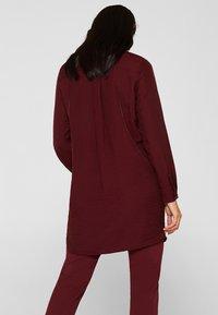 Esprit - IM STREIFEN-LOOK - Button-down blouse - garnet red - 2
