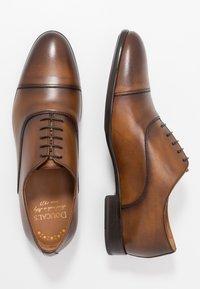 Doucal's - PISA - Elegantní šněrovací boty - radica brandy /testa di moro - 1