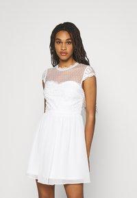 Nly by Nelly - DREAM ON DRESS - Koktejlové šaty/ šaty na párty - white - 0