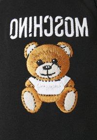 MOSCHINO - TROUSERS - Shorts - black - 5