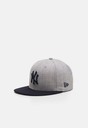 ESSENTIAL - Caps - grey