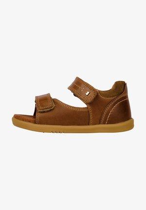 Walking sandals - caramel