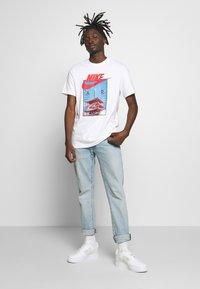 Nike Sportswear - AIR PHOTO TEE - Print T-shirt - white - 1
