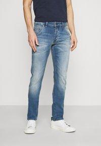 Mustang - MICHIGAN - Zúžené džíny - denim blue - 0