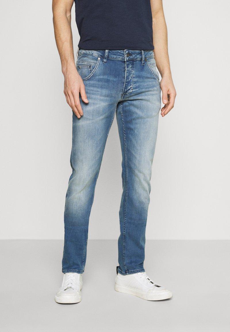 Mustang - MICHIGAN - Zúžené džíny - denim blue