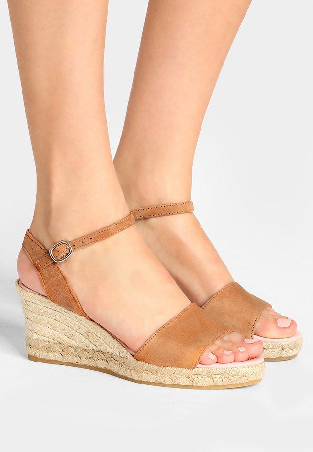 ANGELIS PERU - Korkeakorkoiset sandaalit - peru