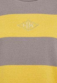 Han Kjøbenhavn - BOXY TEE - Long sleeved top - yellow - 6