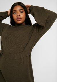 Glamorous Curve - BELTED DRESS - Jumper dress - coffee - 4