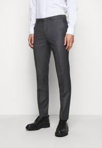 HUGO - HESTEN - Pantalon classique - medium grey - 0