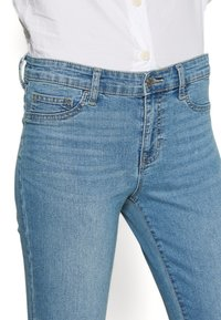 GAP - FAVORITE RINSE - Skinny džíny - light indigo - 5