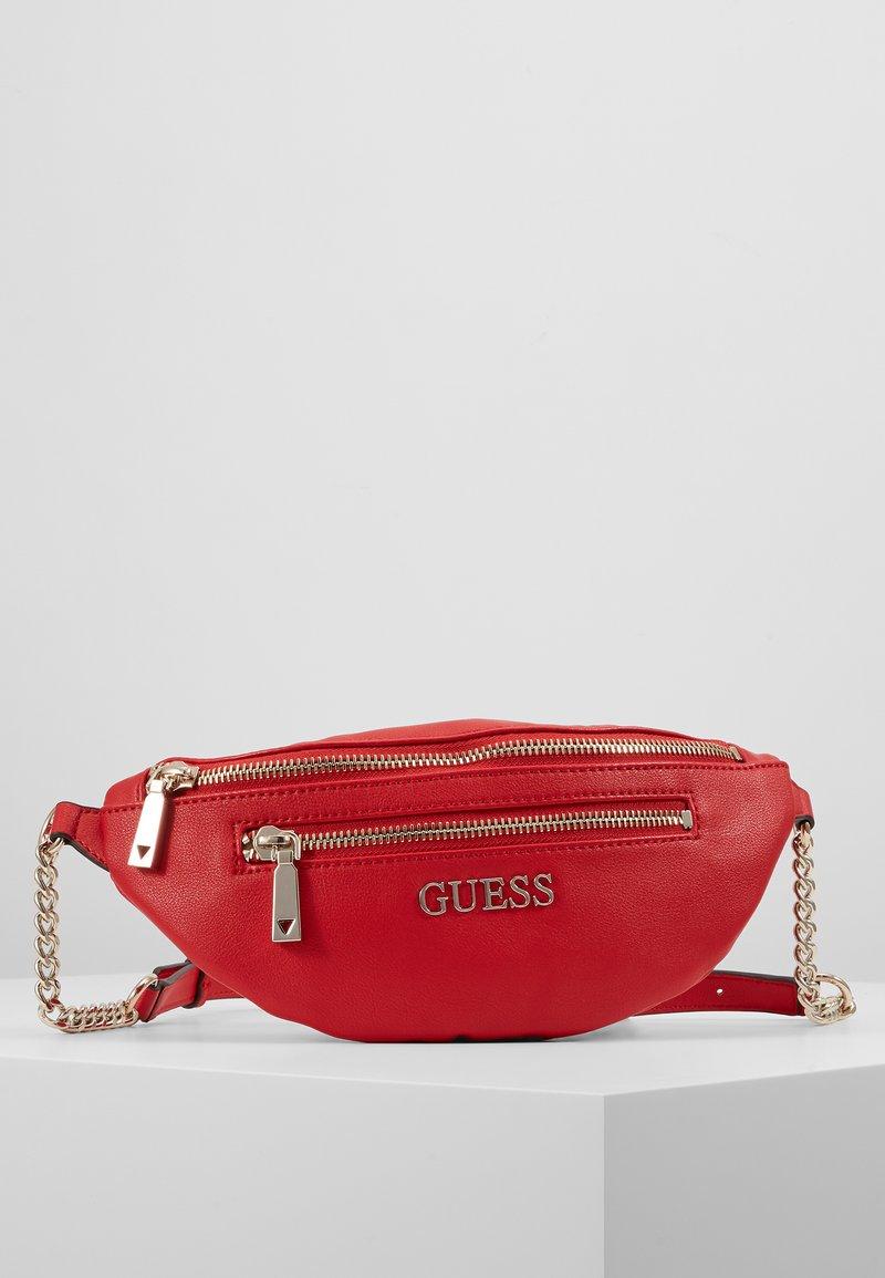 Guess - CALEY BELT BAG - Rumpetaske - red