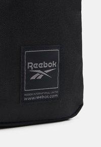Reebok - CITY BAG - Torba na ramię - black - 4