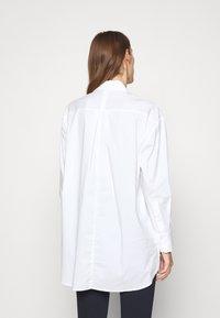 Steffen Schraut - CHIARA'S - Button-down blouse - white - 2