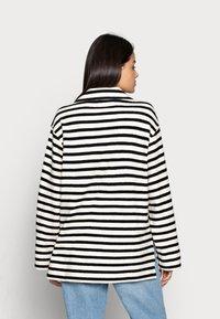 ARKET - Sweatshirt - offwhite/black - 2