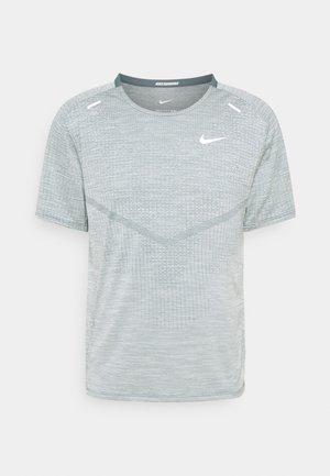 TECHKNIT ULTRA  - Print T-shirt - hasta/barely green
