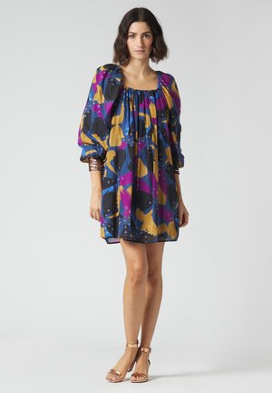 Day dress - avio