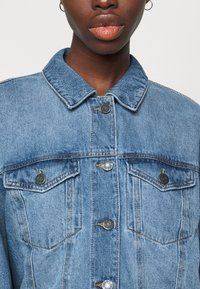 Noisy May Tall - NMFIONA JACKET - Denim jacket - light blue denim - 5