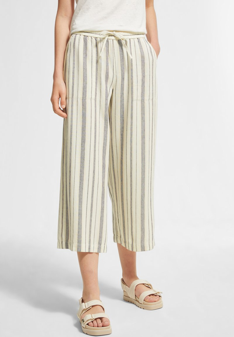 comma casual identity - Trousers - white woven stripes