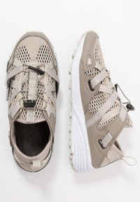 Hi-Tec - V-LITE RAPID WOMENS - Hiking shoes - desert/taupe - 1