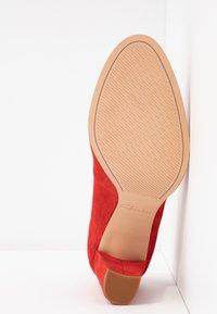 Clarks - KAYLIN CARA - Classic heels - red - 6