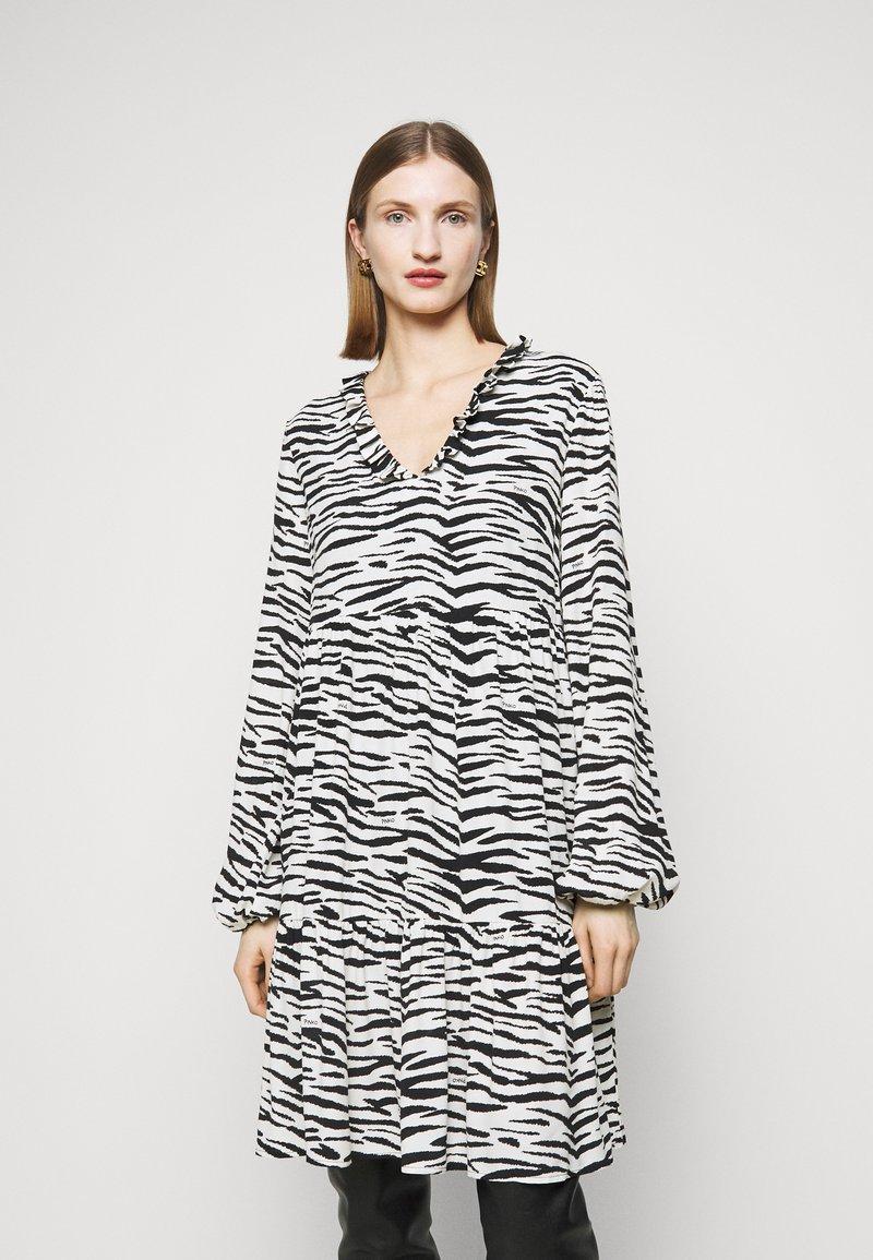 Pinko - UTOPIA - Day dress - bianco/nero
