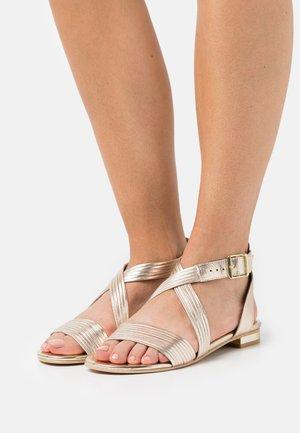 INAZORA - Sandals - or